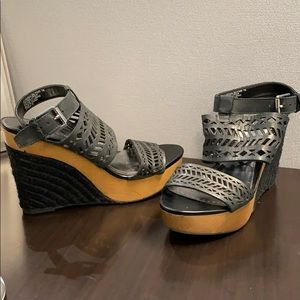 Ralph Lauren Georgina Leather Black Wedge 7B